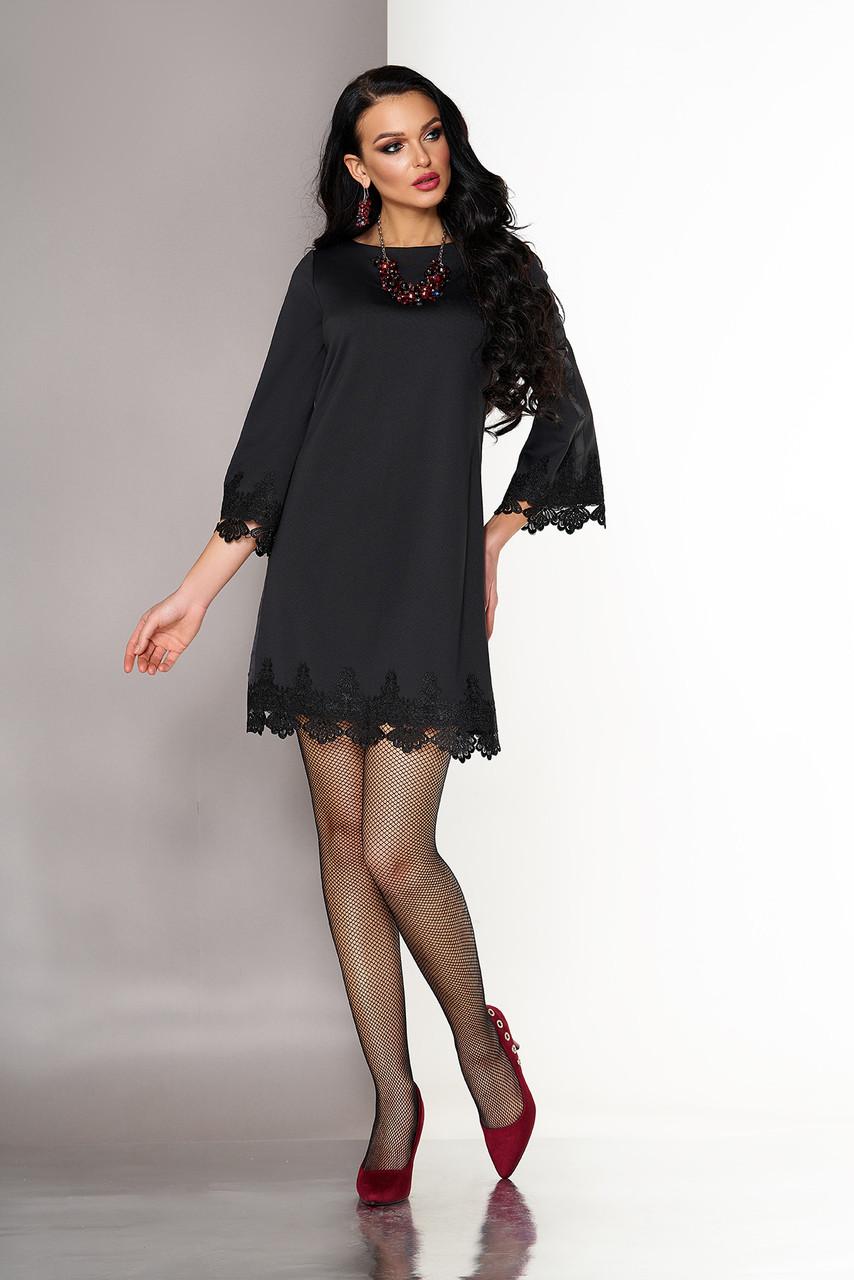 Короткое черное платье трапеция с кружевом