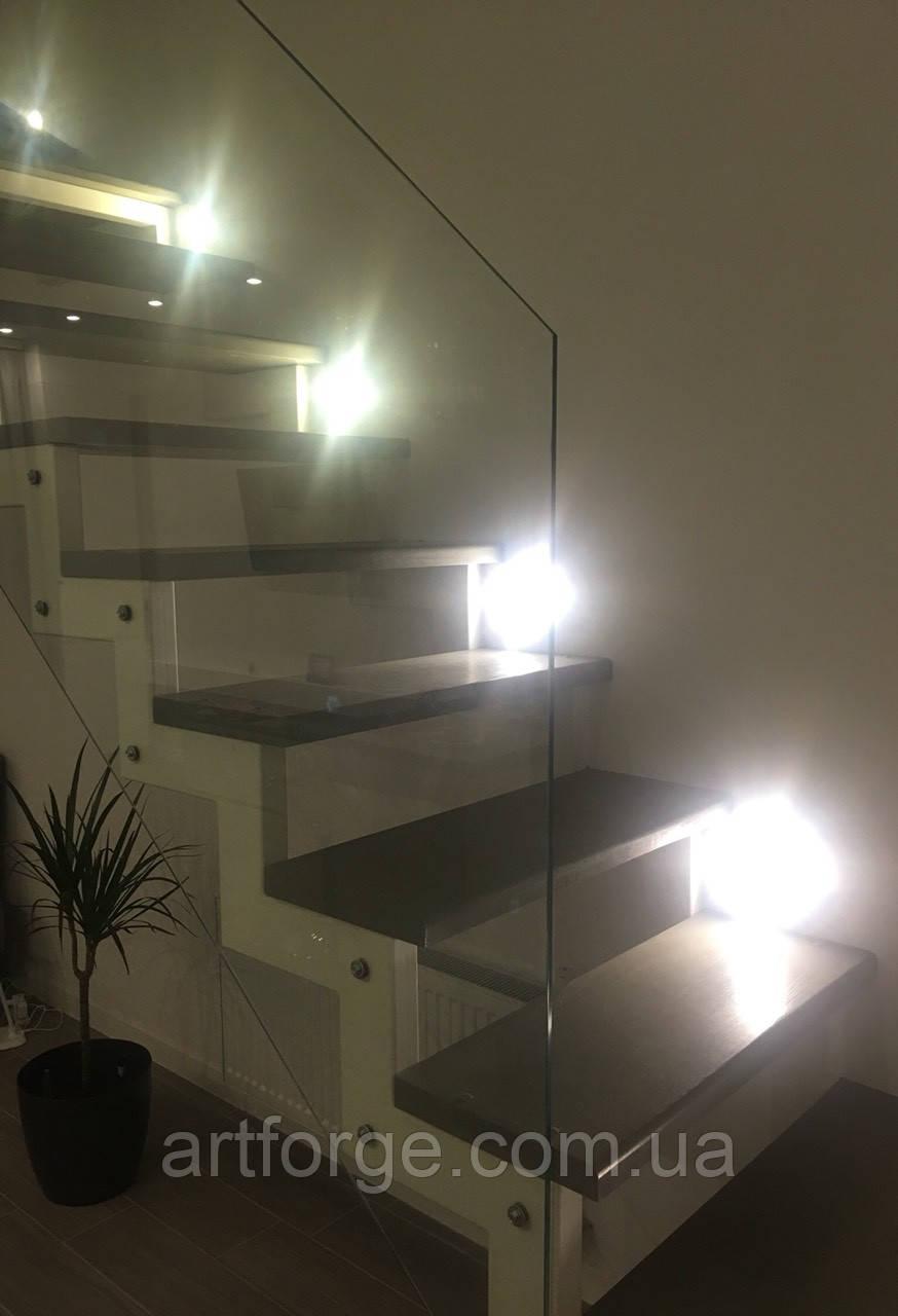Белая открытая лестница в современном стиле для квартиры, дома, дачи..