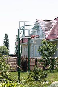 Баскетбольная стойка на трех опорах