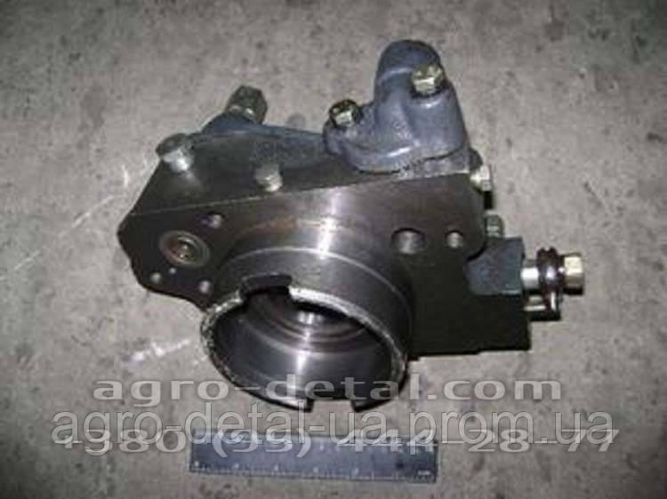 Механизм клапанный 150.41.042-4 (крышка со втулкой) редуктора ВОМ тракторов Т-150,Т-151,Т-17221,Т-17021