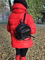 Женский рюкзак из натуральной кожи чёрного цвета с одним основным отделением и четырьмя наружными карманами, фото 1
