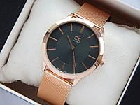 Кварцевые наручные часы Calvin Klein золотистые, метки на черном циферблате, кольчужный браслет, фото 1