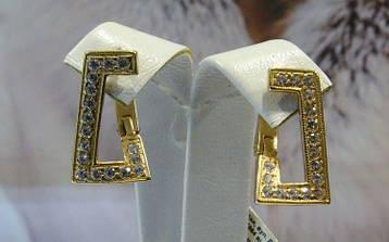 Золотые серьги квадратной формы