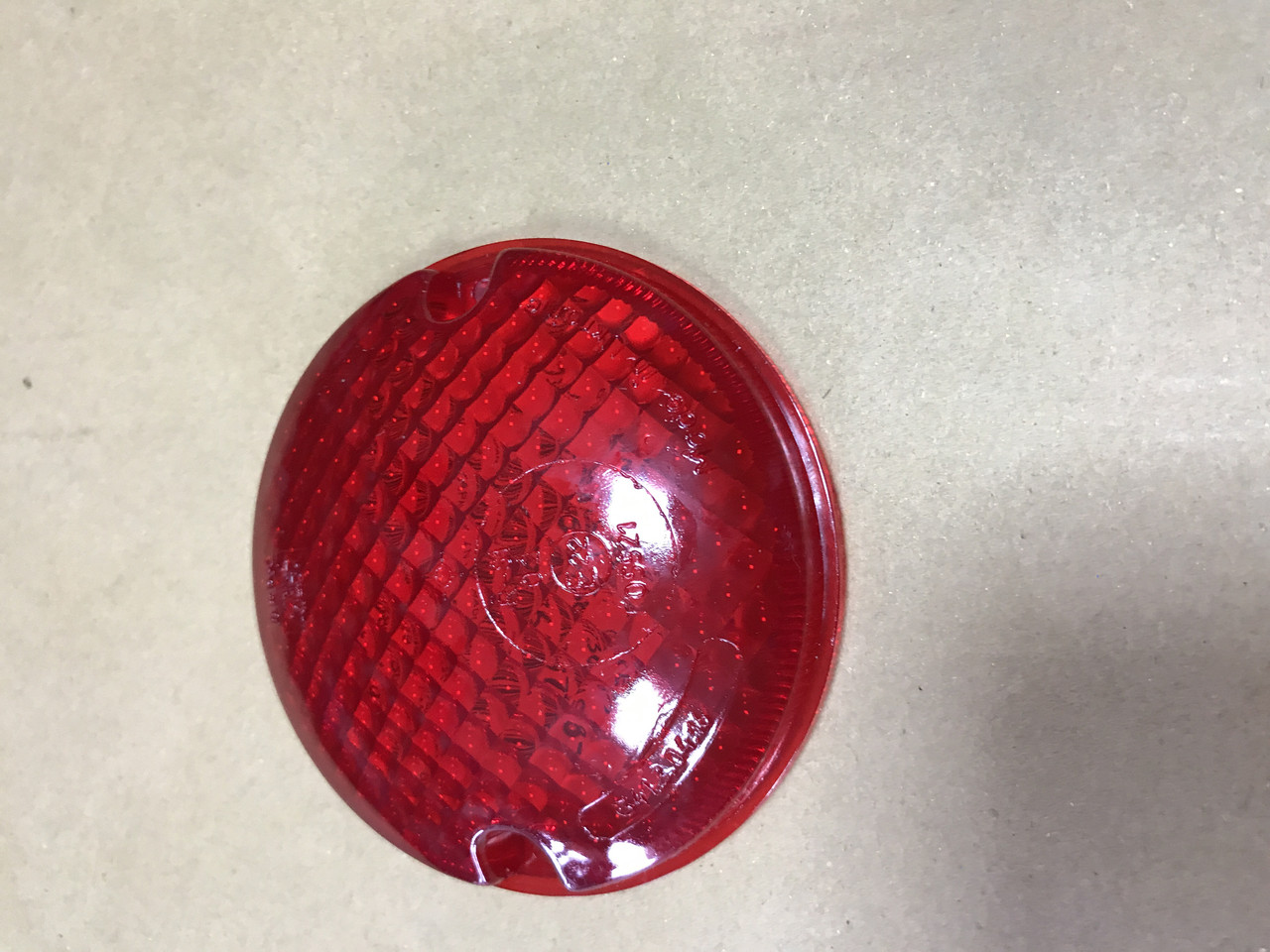 Стекло заднего фонаря красное на Богдан А 092