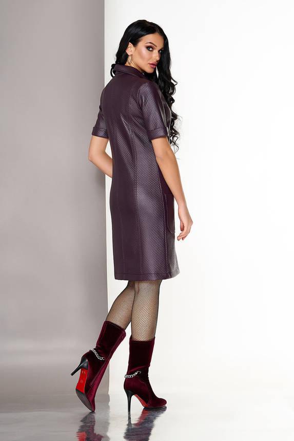 Красивое бордовое платье поло из эко кожи, фото 2