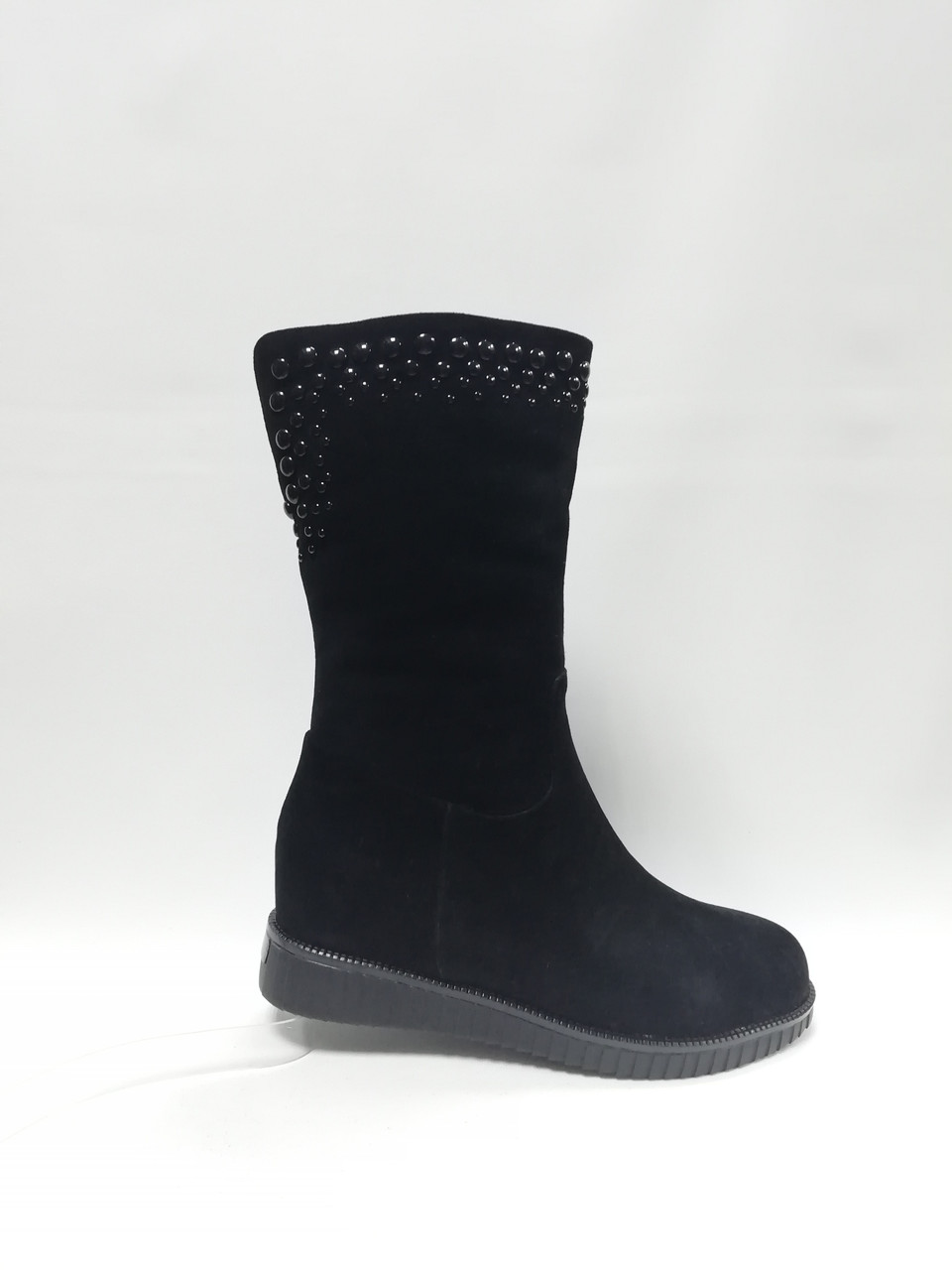 Зимние ботиночки (полусапоги) на толстой подошве .