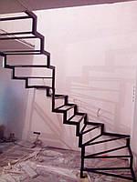 Каркас для открытой лестницы в квартиру, фото 1