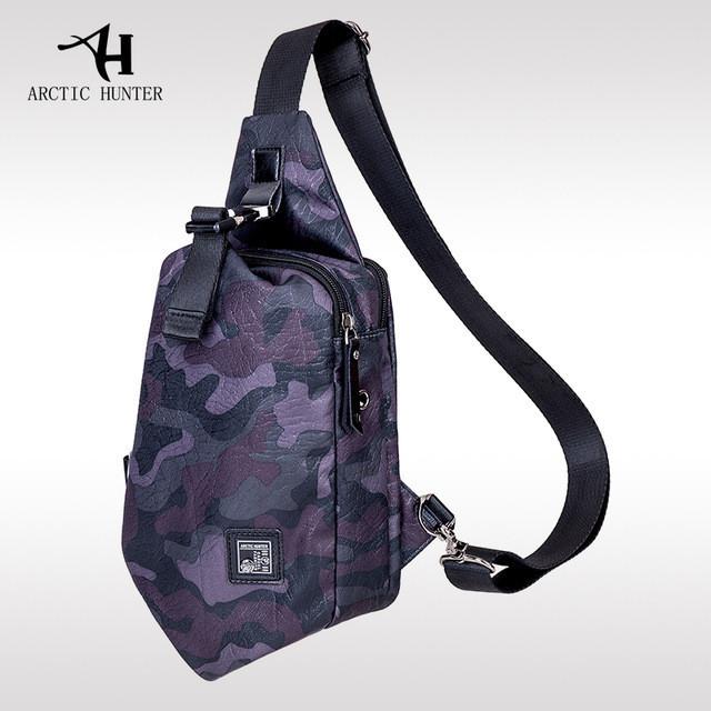 Городской рюкзак-сумка с одной лямкой через плечо и отверстием для наушников Arctic Hunter XB00032, 3л
