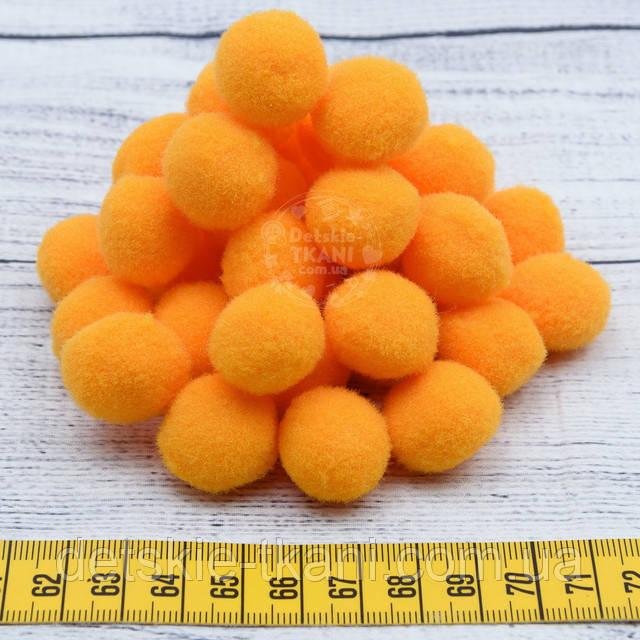 Оранжевые помпоны