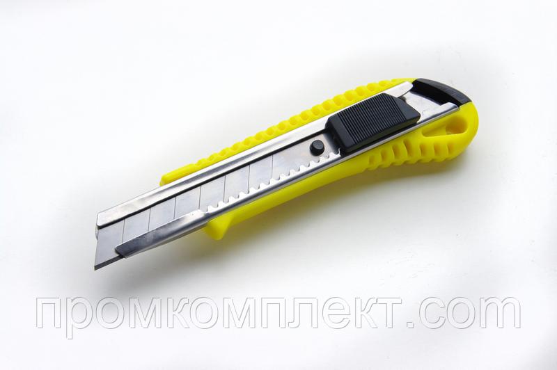 Нож выдвижной 18мм с металлической направляющей, автозамок