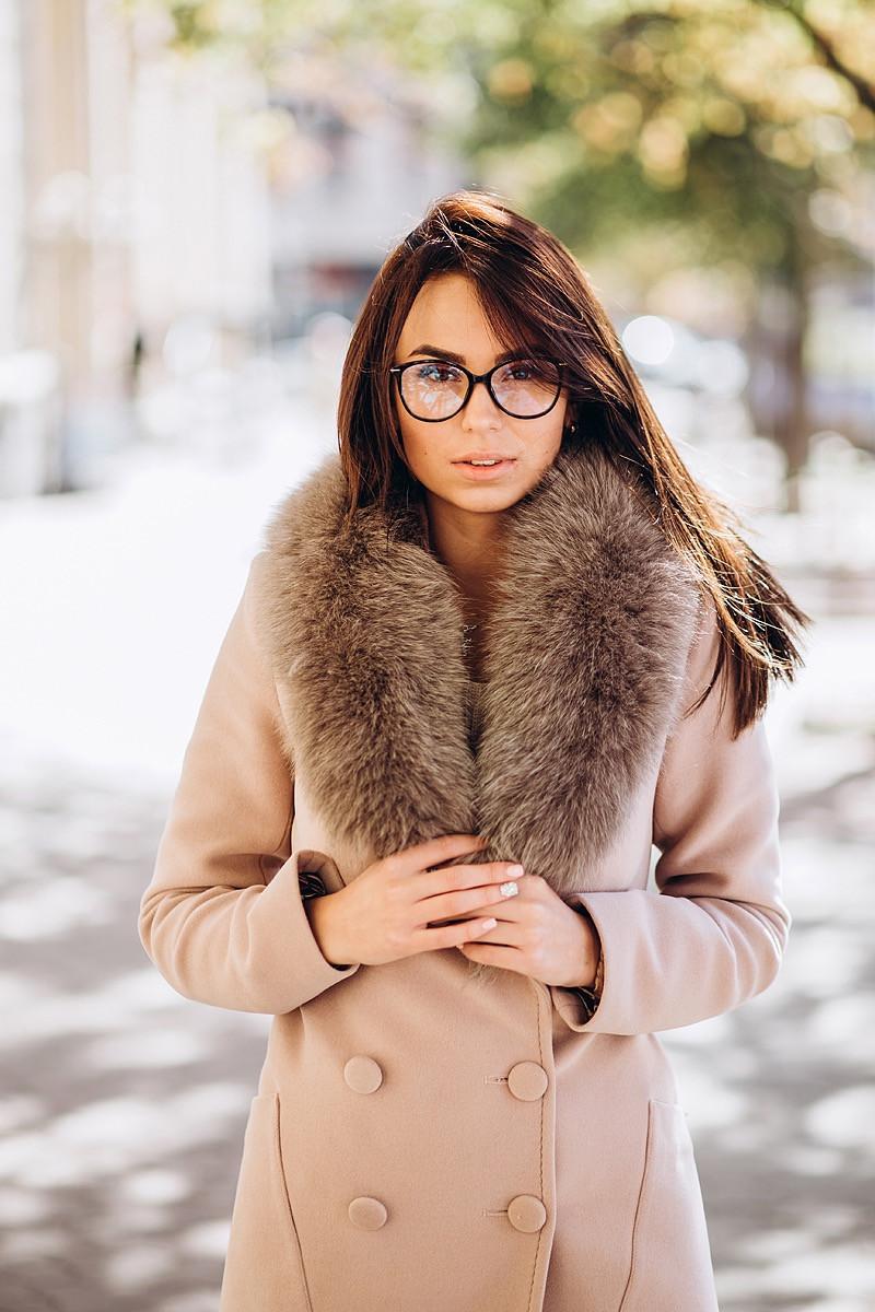 Кашемировое бежевое пальто с мехом O.Z.Z.E Д271