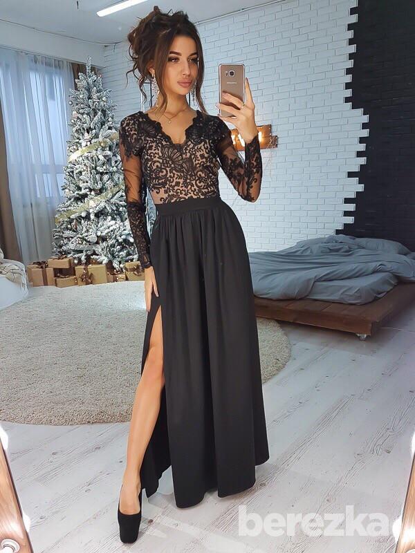 Длинное платье с кружевным верхом и разрезом 66py2124