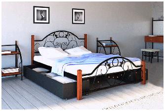 Ліжко Франческа з металу на дерев'яних ніжках.