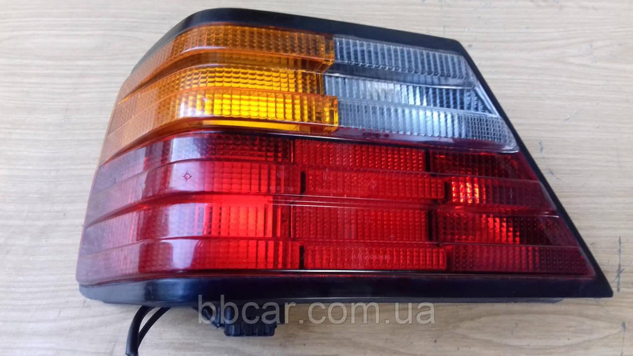 Задний фонарь  Mercedes Benz 124 Hella 2VP 004 686-01 (L)