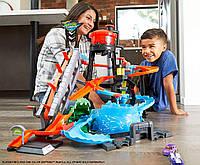 Игровой набор Hot Wheels Измени цвет Водонапорная башня Хот Вилс Ultimate Gator Car Wash Playset, фото 1