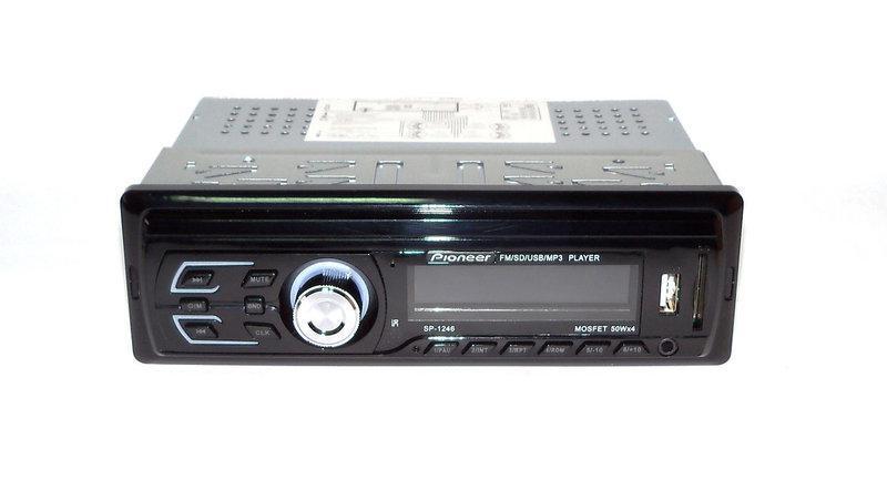 В машинуPioneer Автомагнитола модель SP-1246 многофункциональная с ярким LCDдисплей