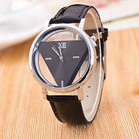 Часы скелетоны треугольник черные - яркие молодежные часы с неповторимым дизайном