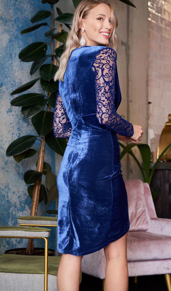 a9f9809694a Бархатное вечернее платье синего цвета с длинным рукавом из гипюра. Модель  19997. Размеры 42-46