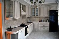 Кухня с фасадами из натурального дуба
