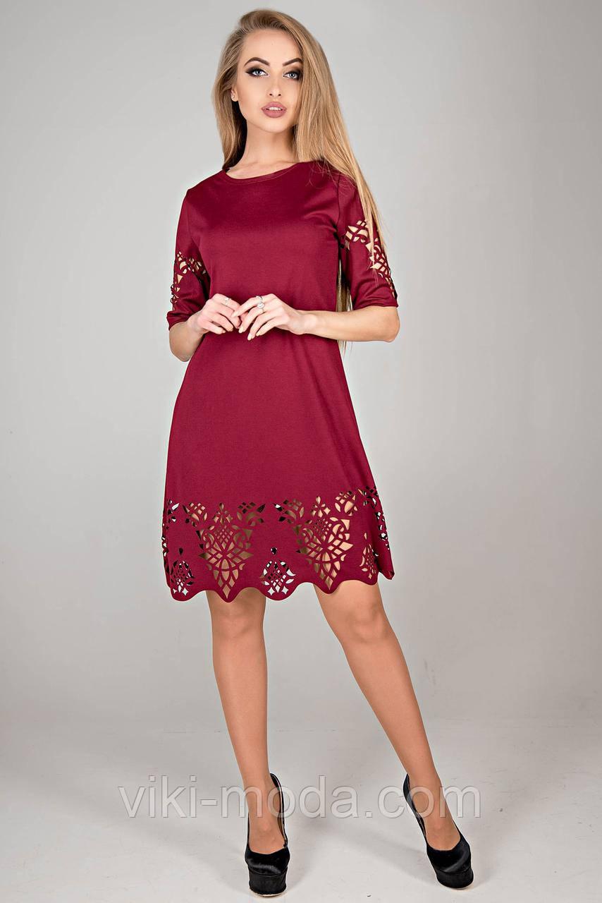 Молодежное платье Фисента, платье прямого кроя, слегка свободного к низу, цвет бордовый