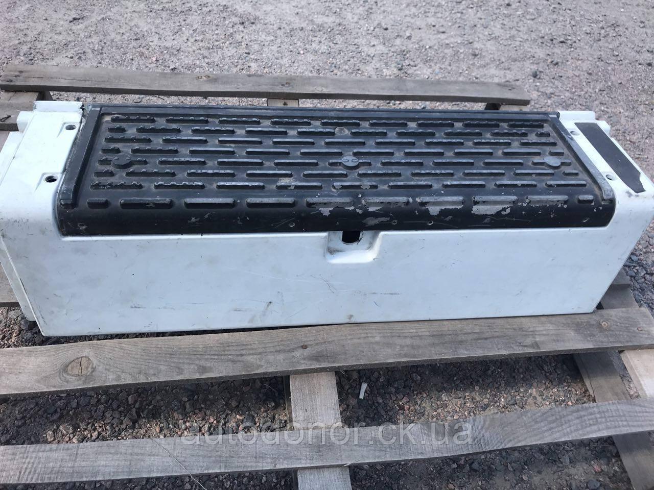 Верхняя ступенька левая Renault/рено Magnum/магнум с ящиком
