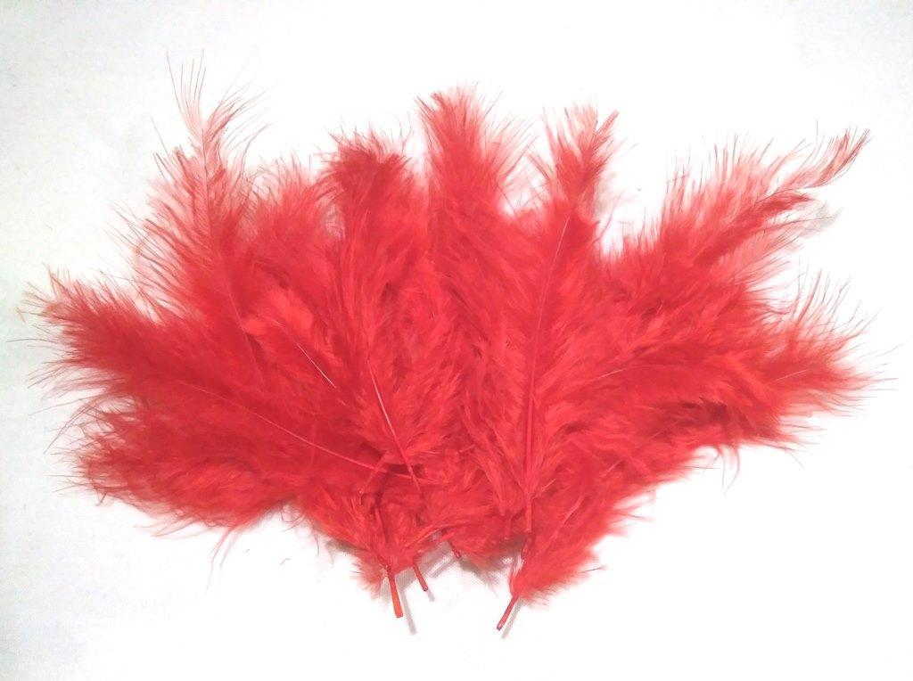 Перья красные для декора воздушных шаров