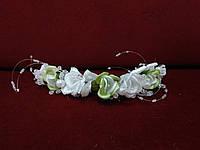 Свадебная веточка для прически белая с зеленым