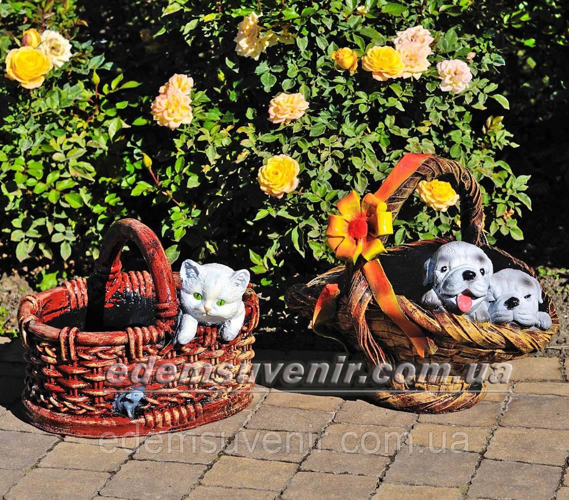 Садовая фигура подставка для цветов Корзина сюрприз и Корзина с котенком
