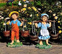 Садовая фигура Дети с коромыслом