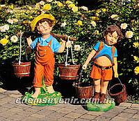 Садовая фигура подставка для цветов Водонос и Мальчик с ведрами