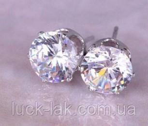 Серьги гвоздики с сияющими кристаллами