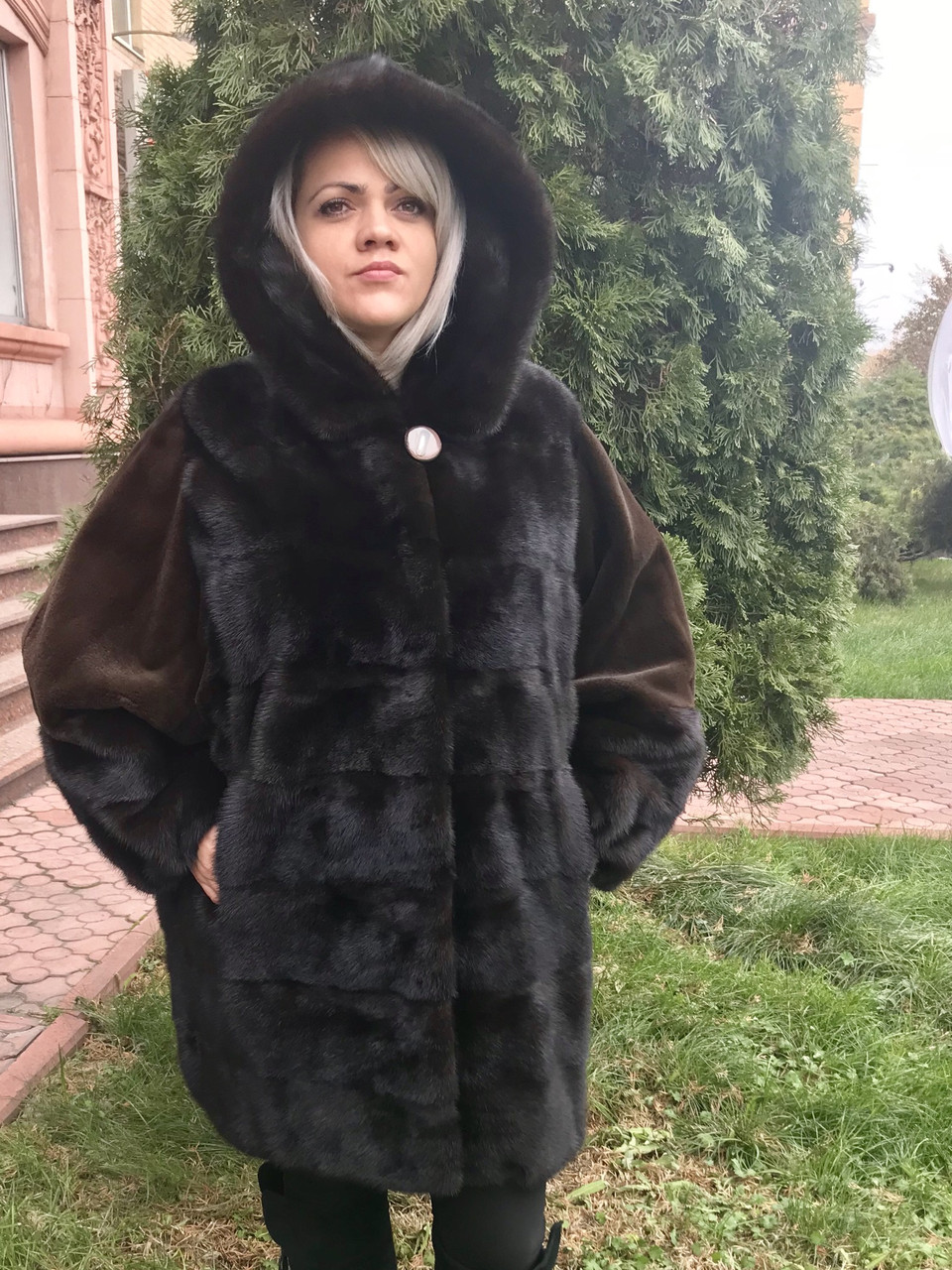 "Шуба из норки РАЗМЕР+ с капюшоном ""летучая мышка"" махагон поперечка"