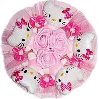 Букет из мягких игрушек Котики 5 с заколками в розовом