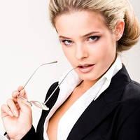 Парфюмы для бизнес-леди: женские ароматы под деловой костюм