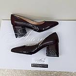 Женские бордовые туфли из питона на толстом каблуке, фото 3