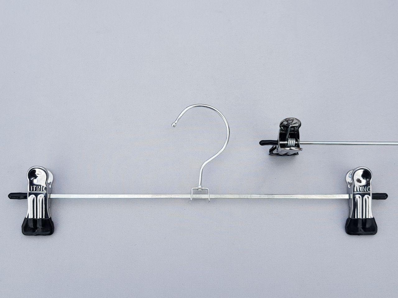 Длина 30 см. Плечики металлические оцинкованные с прищепками зажимами для брюк и юбок