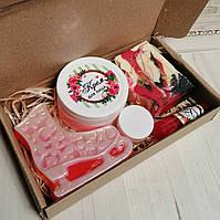 Подарочный набор косметики (Мыла, крем для лица, бальзам для губ, твердые духи)