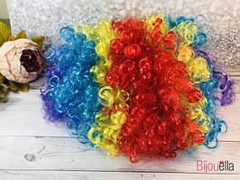 Кучерявий різнобарвний перуку клоуна на маскаради і карнавали