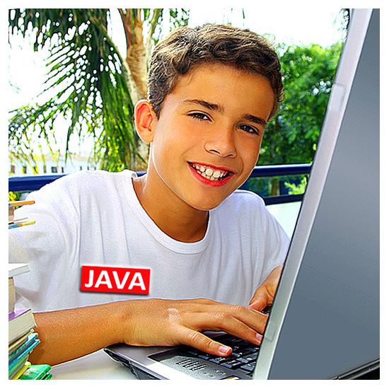 Студент обучается программированию на языке Java и созданию Java-приложений в ИИБТ, Киев