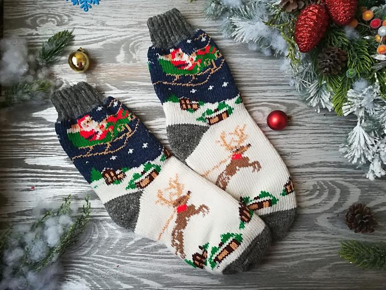 Носки женские новогодние зимние шерстяные Дед Мороз на санках, р. 38-40