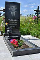 Гранитный памятник 100х50х8 с цветником