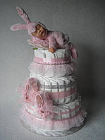 """Торт з памперсів """"Новонародженої ляльці"""". 90 штук"""