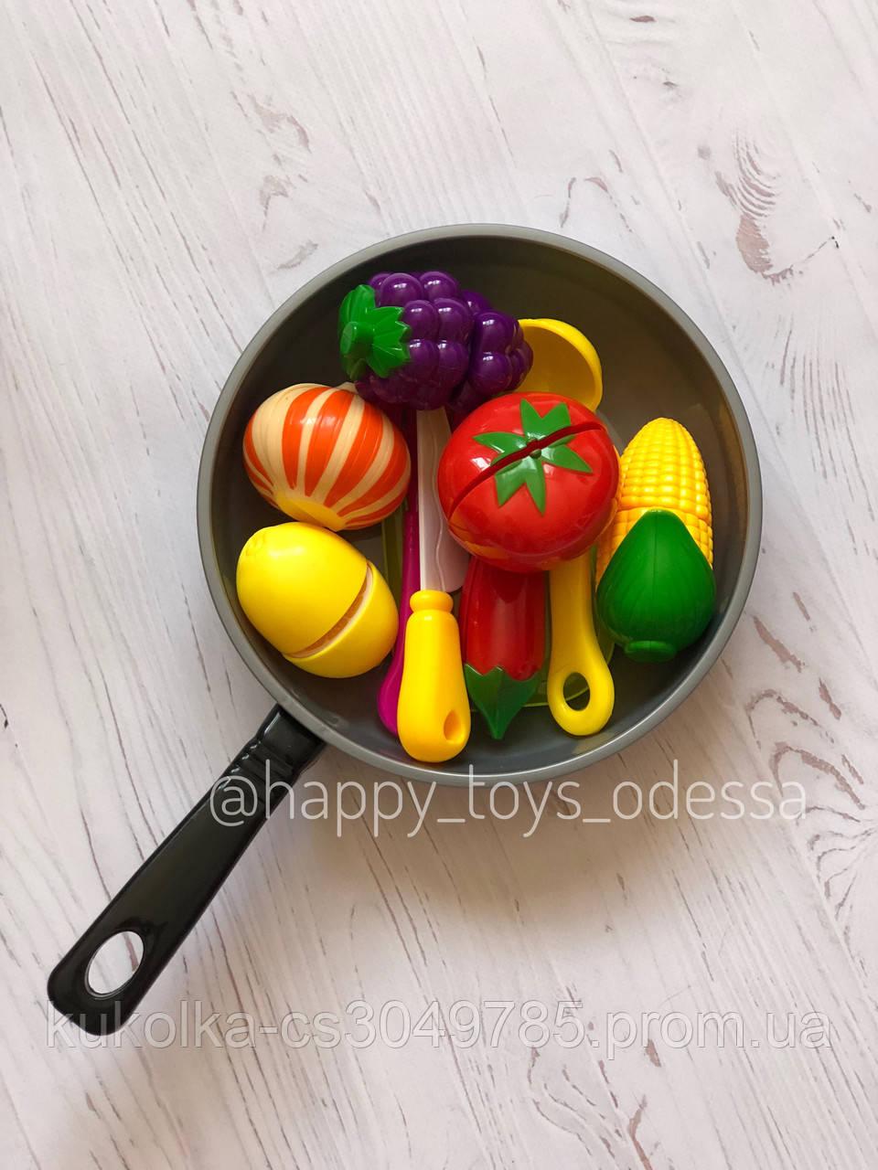 Сковородка с продуктами на липучках