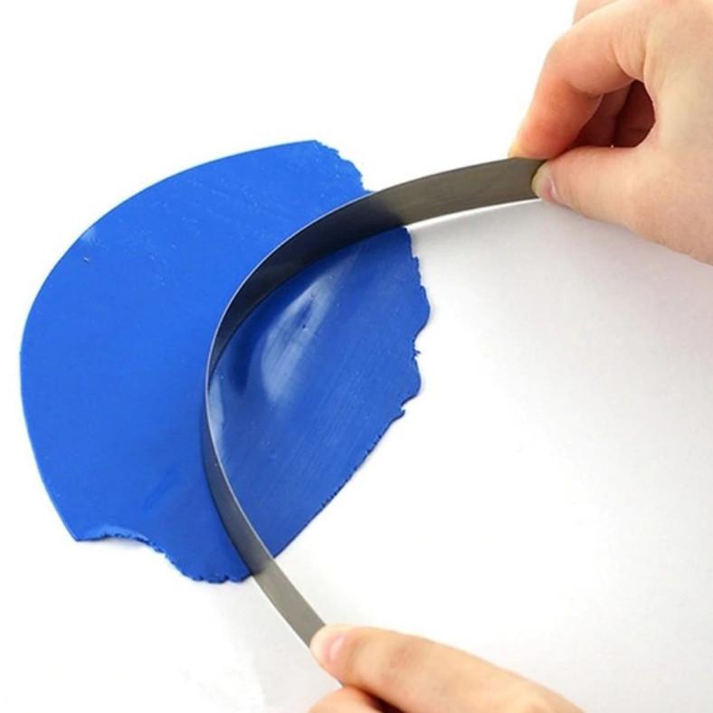 Нож лезвие для полимерной глины, гибкий, в пластиковом тубусе для хранения