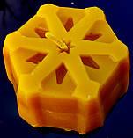 """Новогодняя восковая свеча """"Снежинка #1"""" из натурального пчелиного воска, фото 5"""