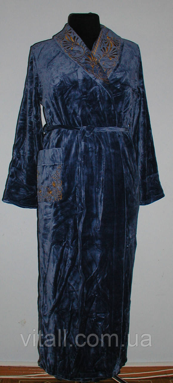 Халат  велюровый длинный с вышитым воротником серый