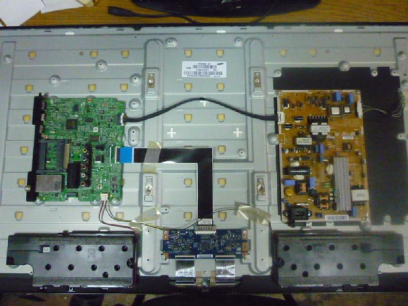 Платы от LED TV Samsung UE39F5020AKXUA   поблочно, в комплекте (разбита матрица).