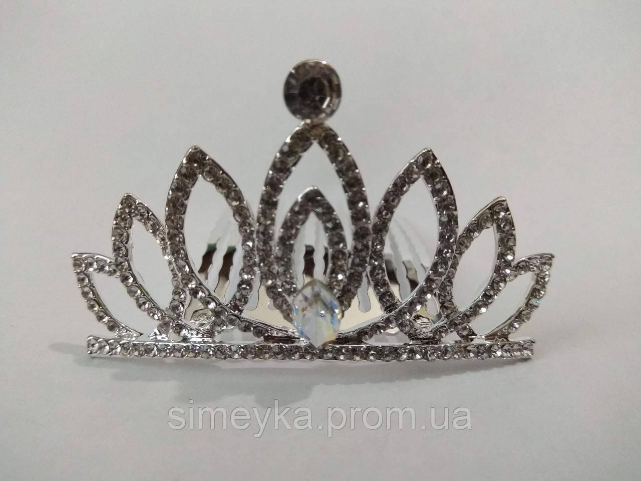 Діадема (корона, тіара) на гребінці, довжина 6,5 см, висота 3,7 см