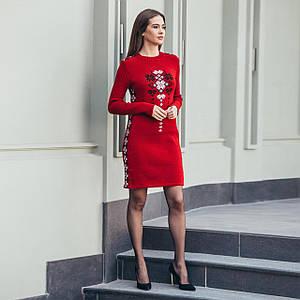 Вязаное платье Стася вишневого цвета с украинским орнаментом