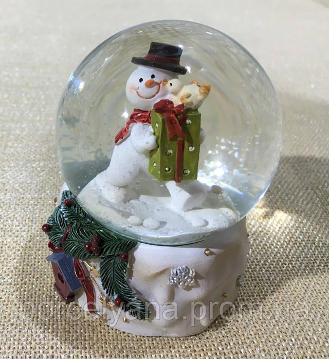 Снежный шар с снеговиком